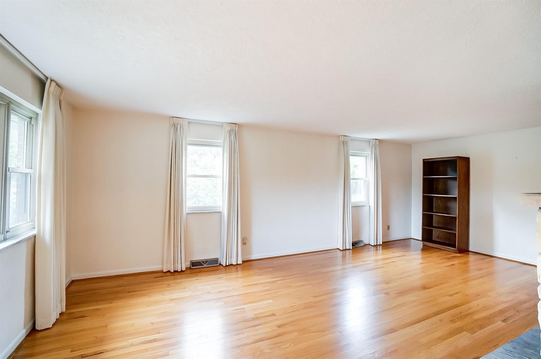 2860 Dunaway Avenue Property Photo 14