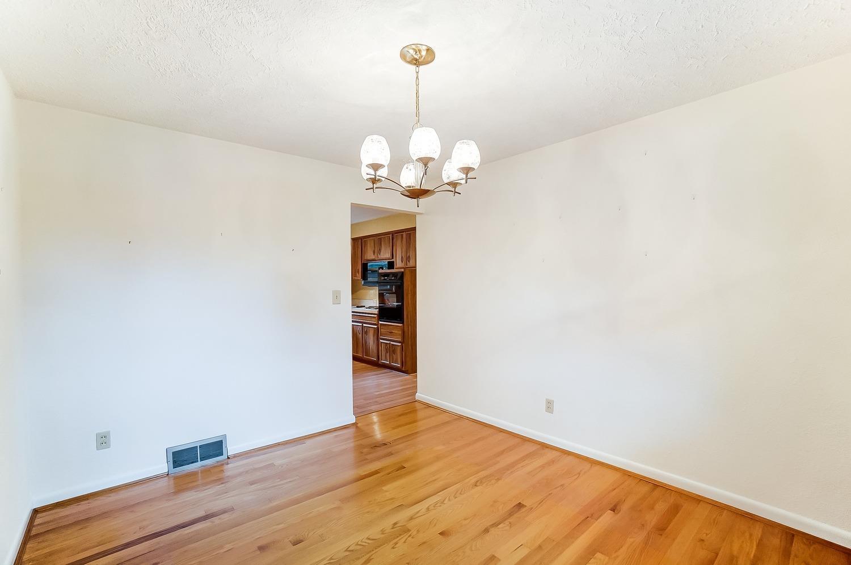 2860 Dunaway Avenue Property Photo 23