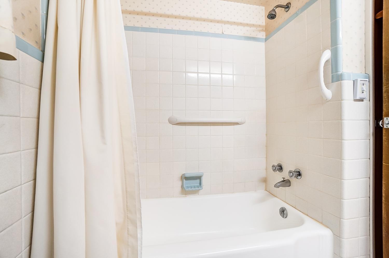 2860 Dunaway Avenue Property Photo 27