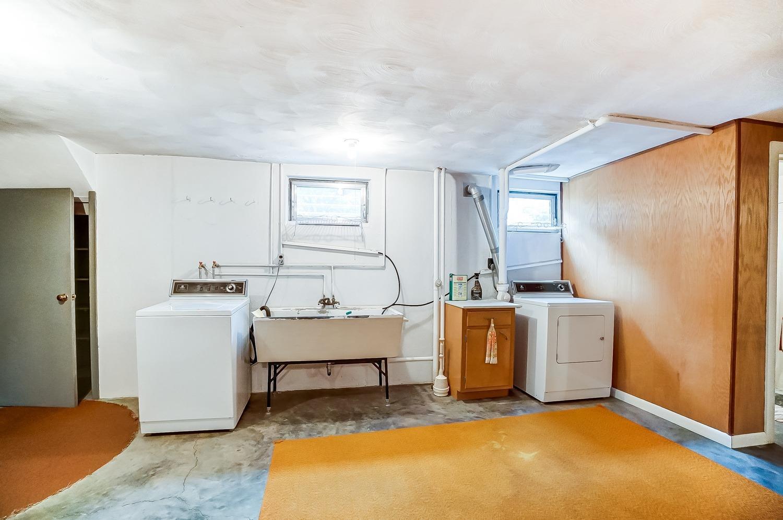 2860 Dunaway Avenue Property Photo 35