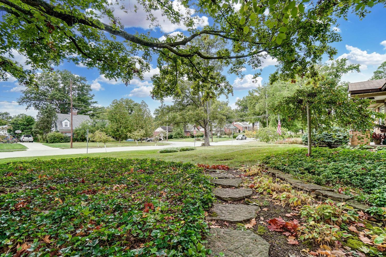 2860 Dunaway Avenue Property Photo 46
