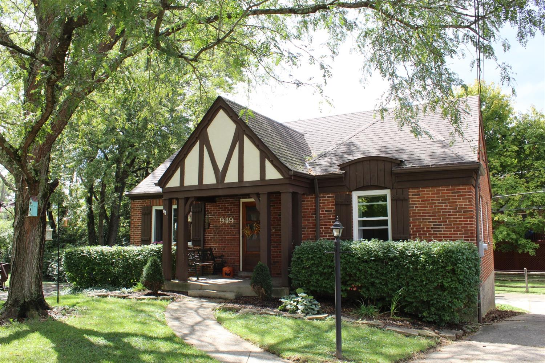 949 Winsray Court Property Photo