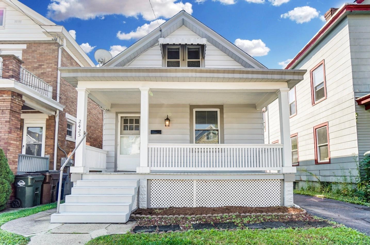 2425 Robertson Avenue Property Photo