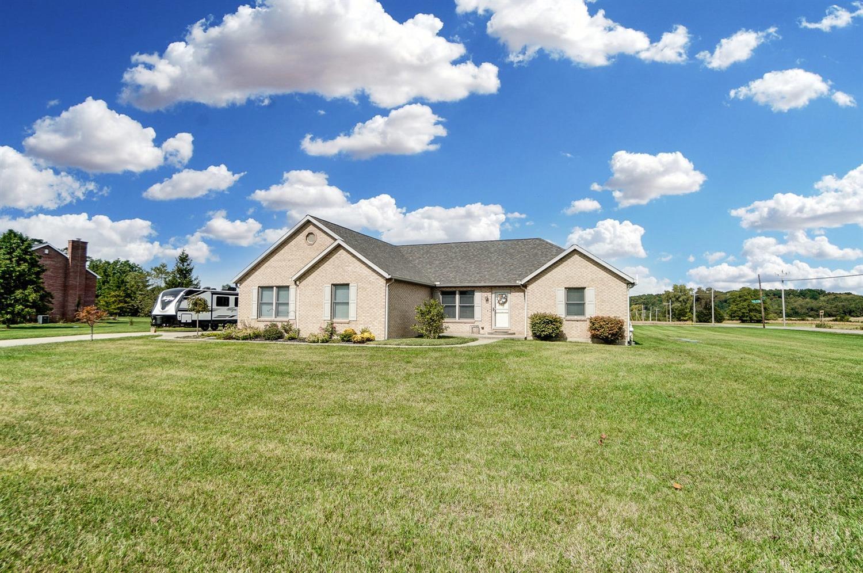 10975 Edgewood Road Property Photo 3