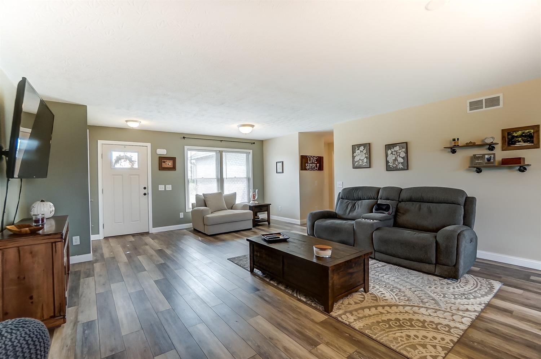 10975 Edgewood Road Property Photo 8