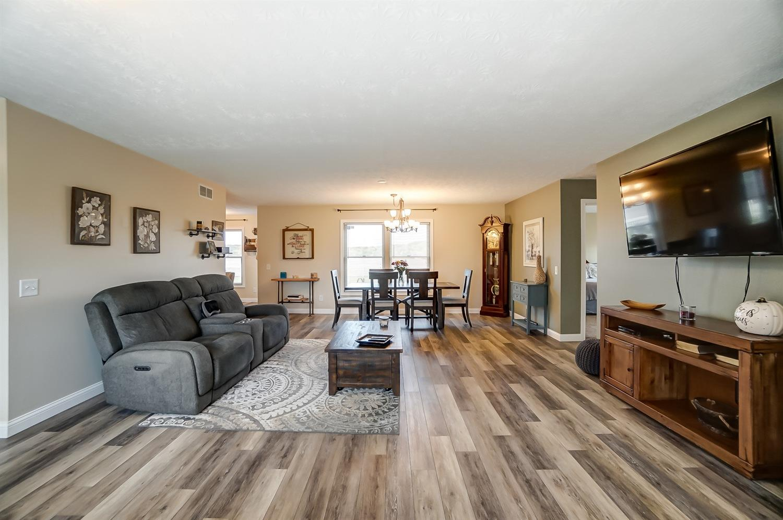 10975 Edgewood Road Property Photo 11