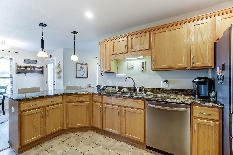 10975 Edgewood Road Property Photo 18