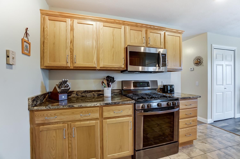 10975 Edgewood Road Property Photo 20