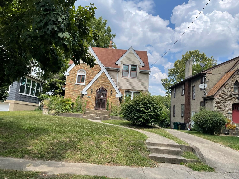 1238 Rossmore Avenue Property Photo