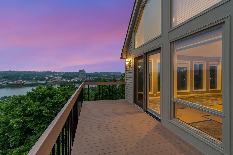 981 Hill Street Property Photo