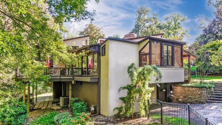 6550 Mariemont Avenue Property Photo