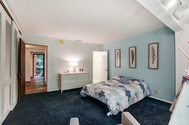 6550 Mariemont Avenue Property Photo 34