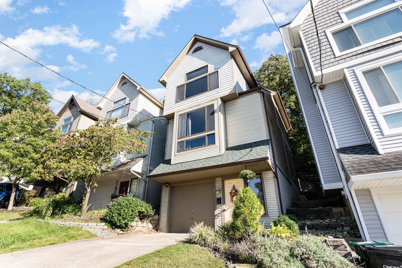 560 Hoge Street Property Photo