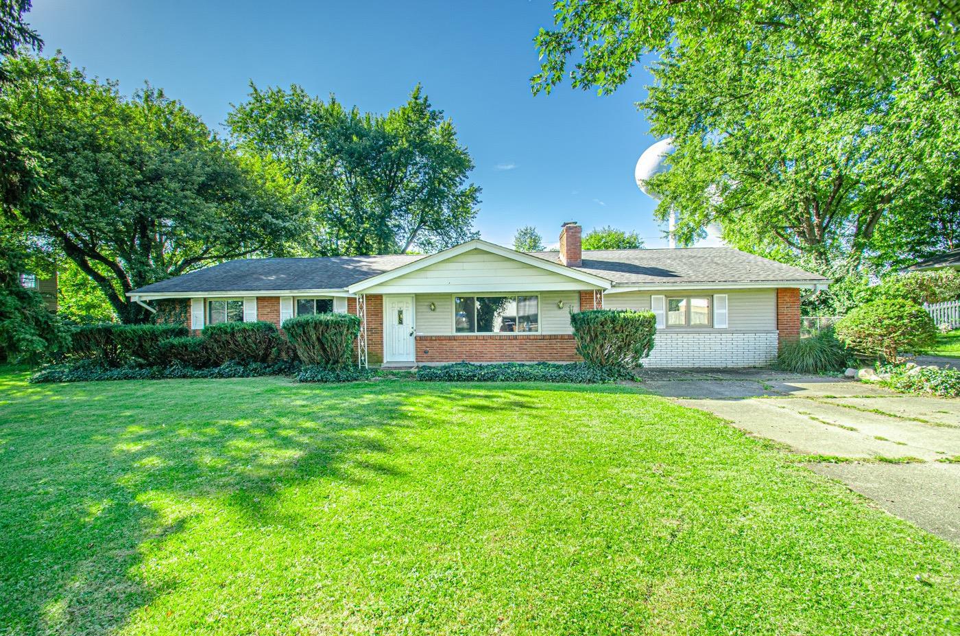 3943 Fernwald Drive Property Photo