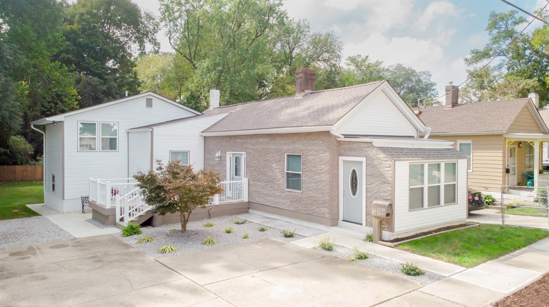 5621 Prentice Street Property Photo