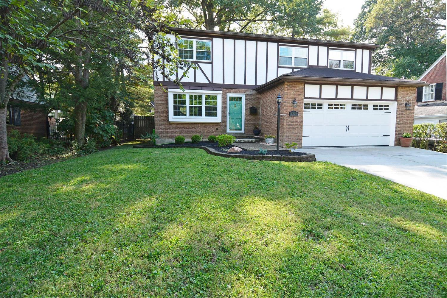 6735 Wooster Pike Property Photo