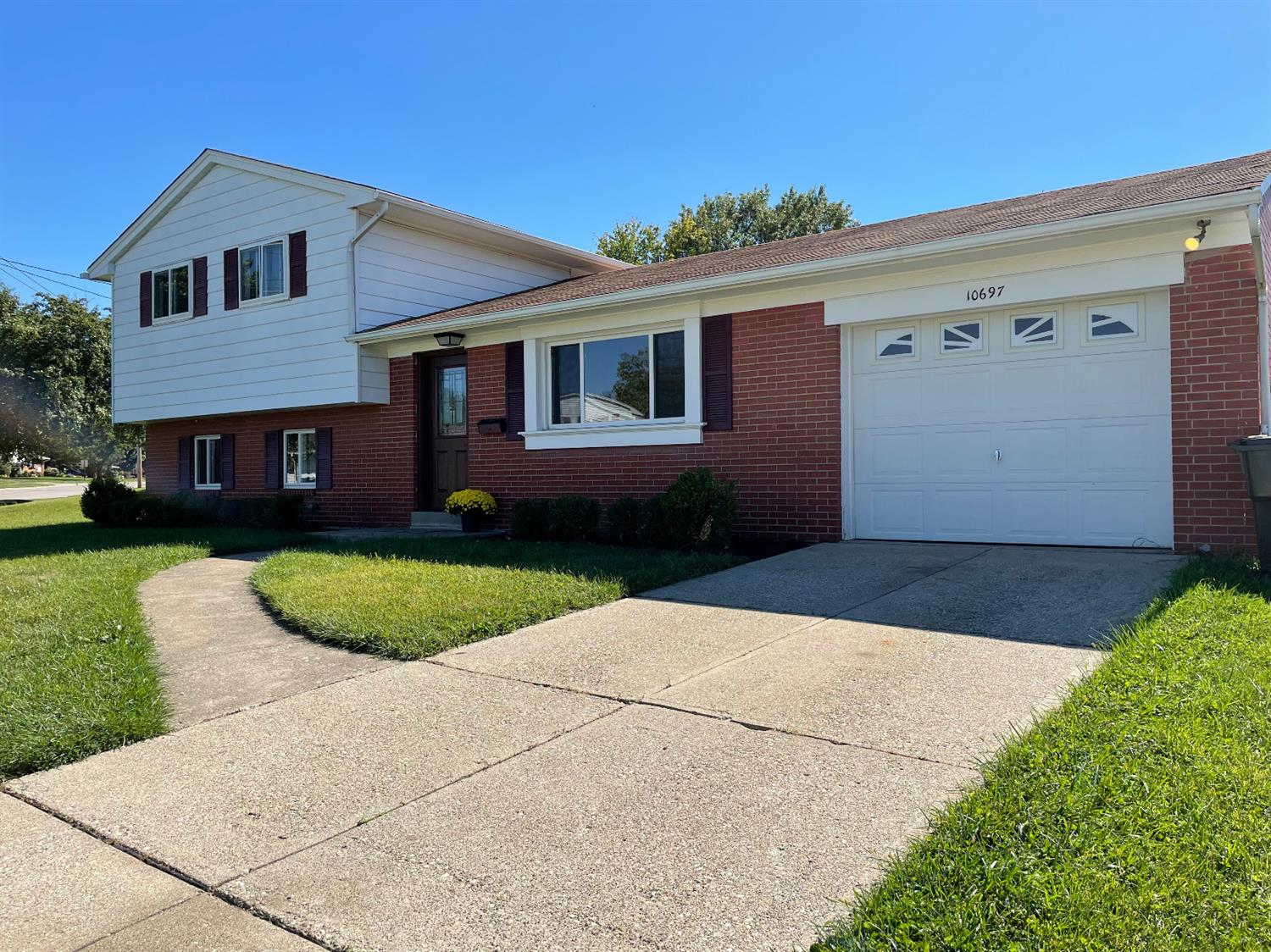 10697 Thornview Drive Property Photo