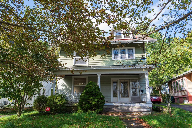 571 Grand Avenue Property Photo