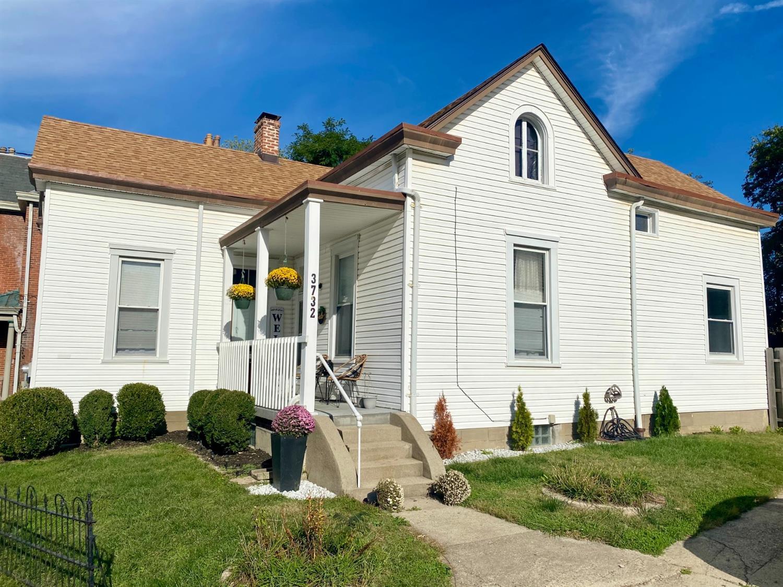 3732 St Lawrence Avenue Property Photo
