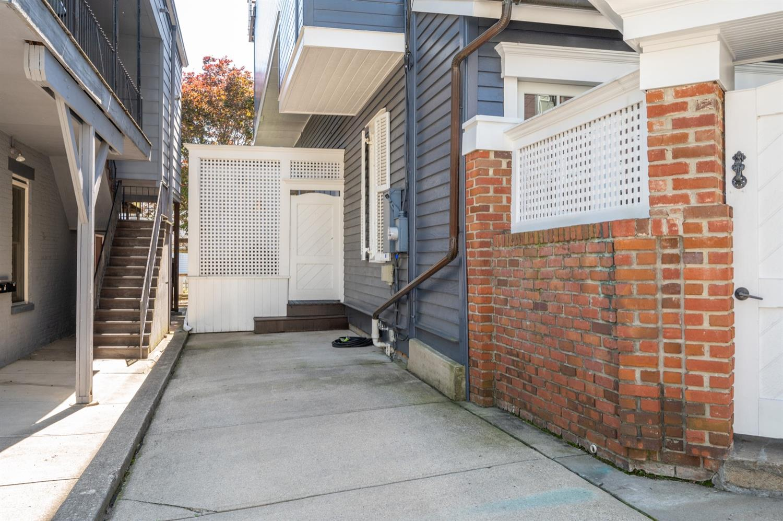 1122 Fuller Street Property Photo 49