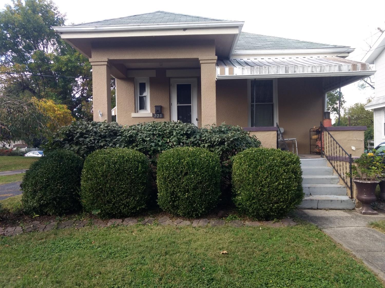 221 Harriet Street Property Photo
