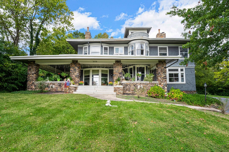 960 Redway Avenue Property Photo 1