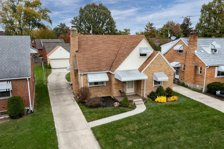 921 Gainesborough Road Property Photo