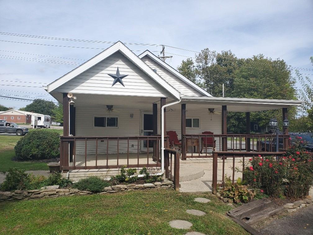 213 W Main Street Property Photo