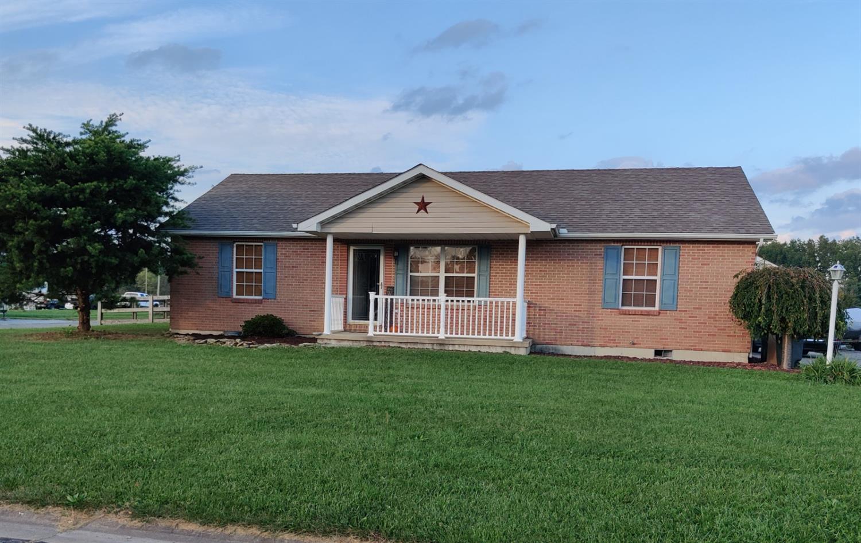 209 Robin Avenue Property Photo