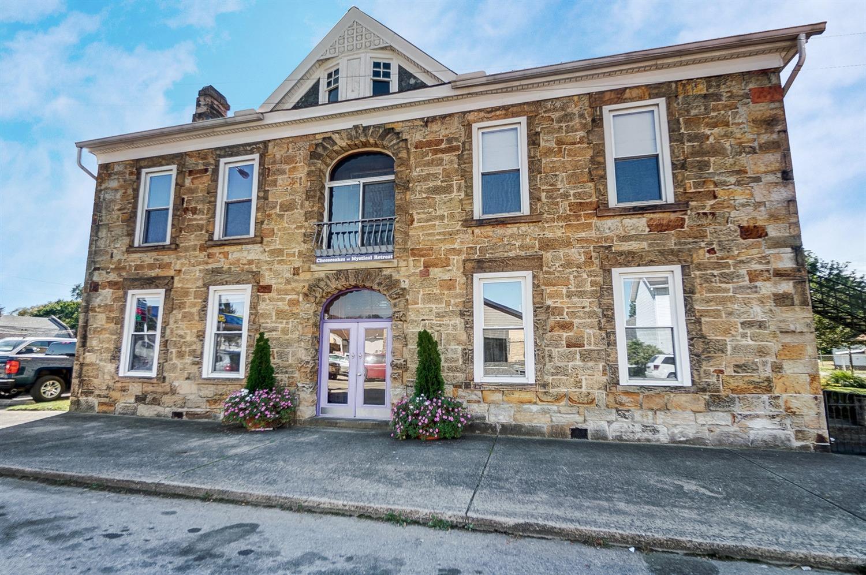 107 W Main Street Property Photo