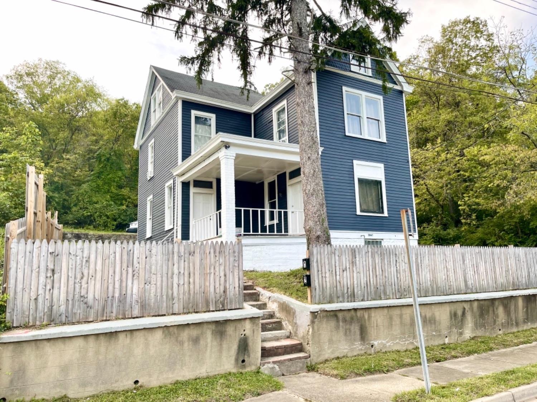3947 Cass Avenue Property Photo
