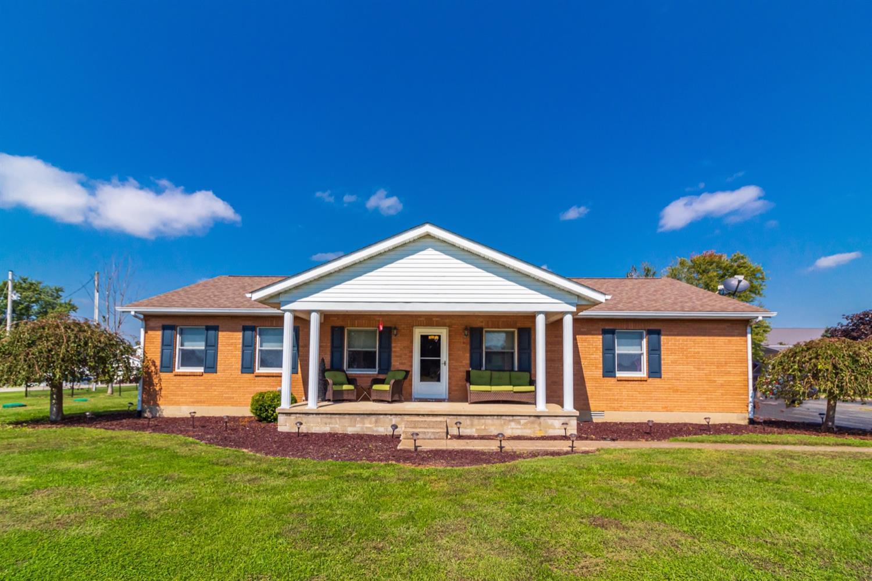 16 Roslin Drive Property Photo 1