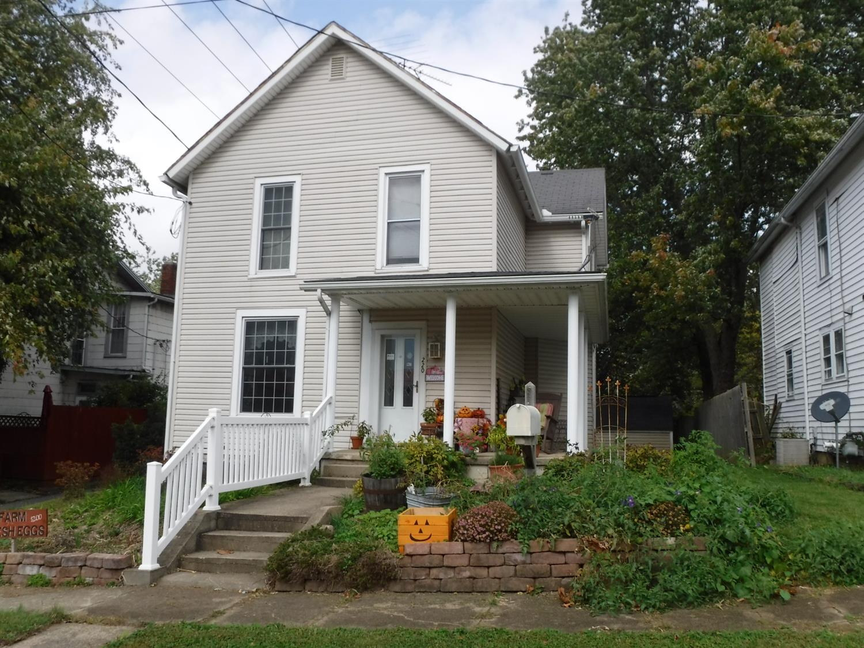 220 W Beech Street Property Photo