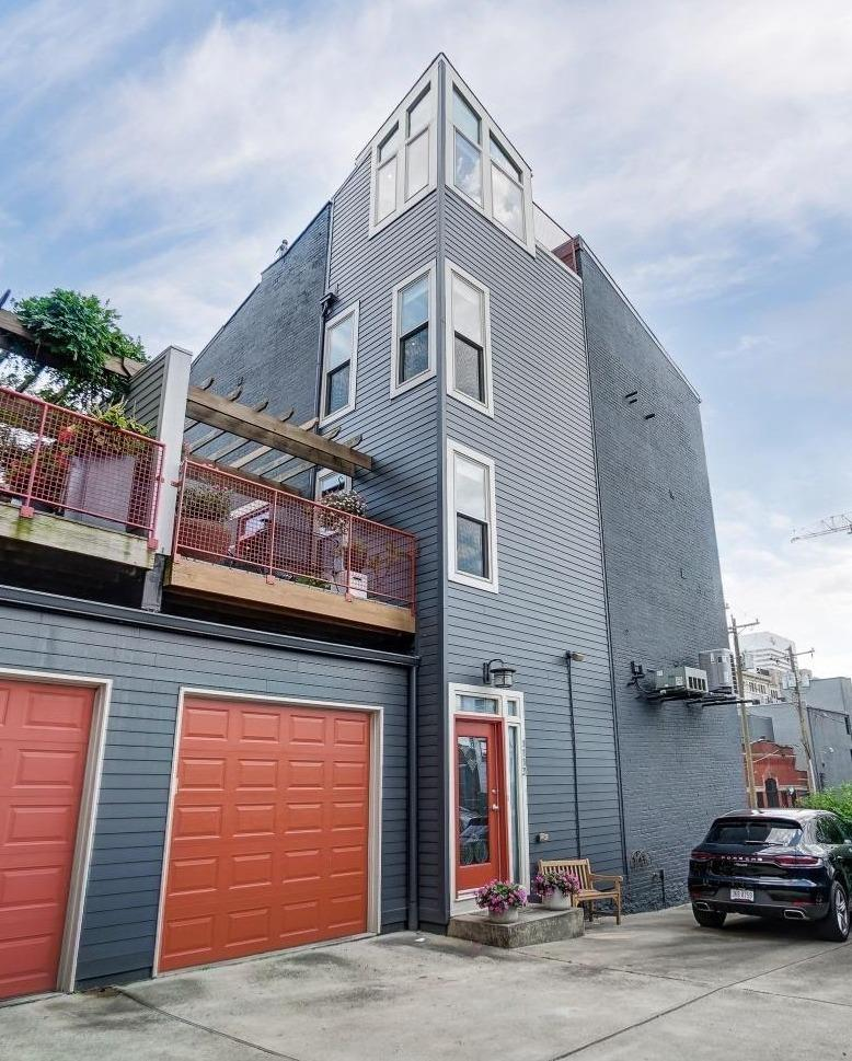 1113 Broadway Street Property Photo