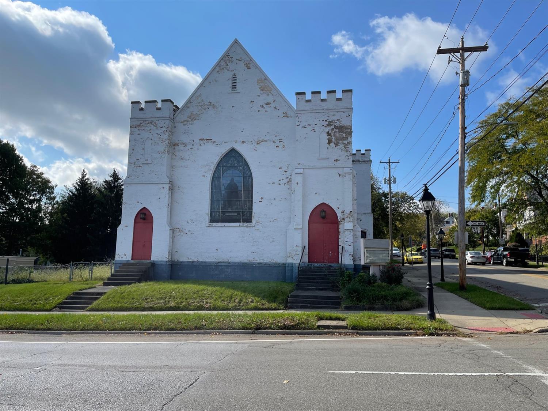 235 Ross Avenue Property Photo