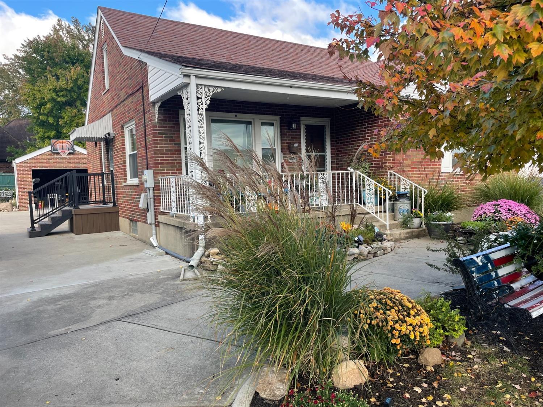 709 Eaton Avenue Property Photo 1