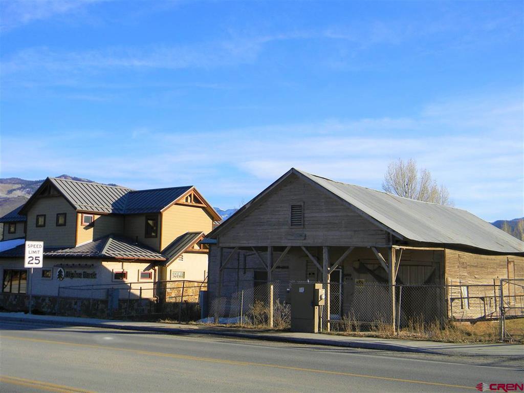 330 Sherman Street Property Photo