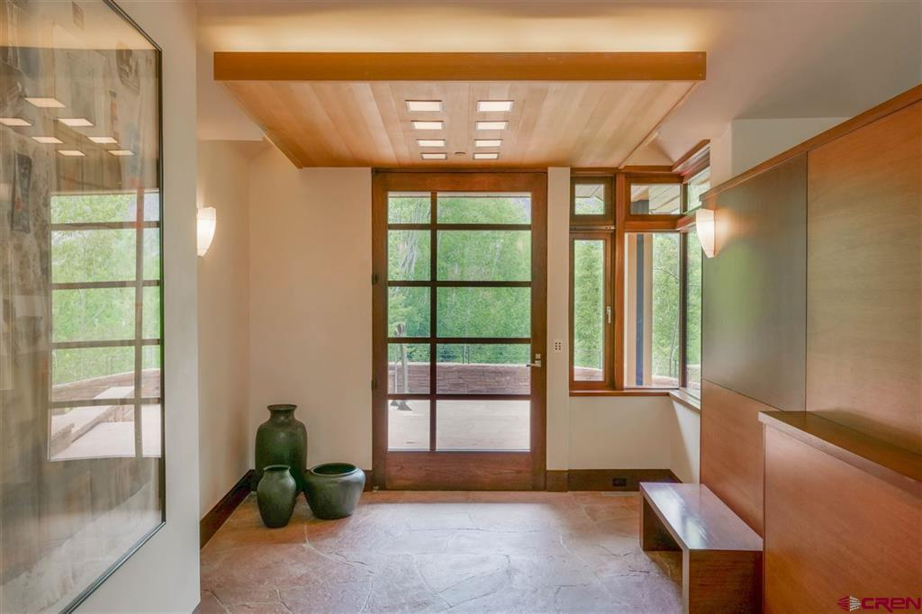 341 Royer Lane Property Photo 5