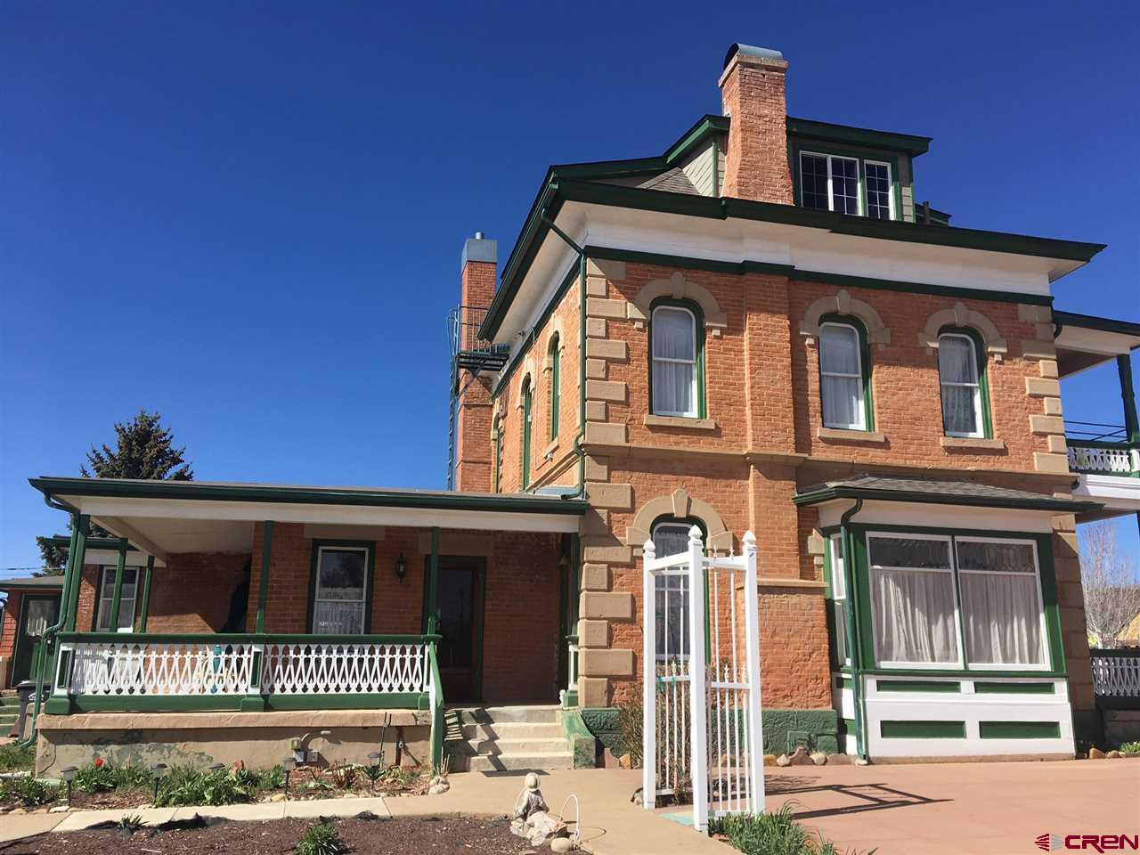 100 Bauer Avenue Property Photo 1