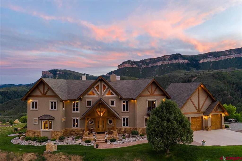 935 Mountain Memories Lane Property Photo 1