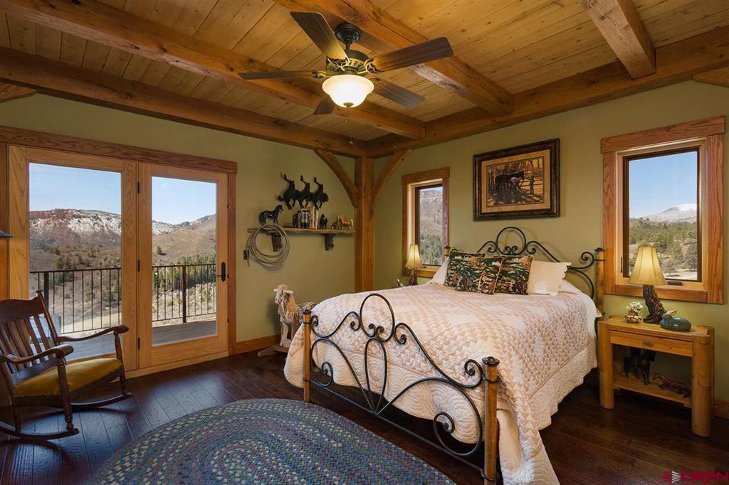 935 Mountain Memories Lane Property Photo 21