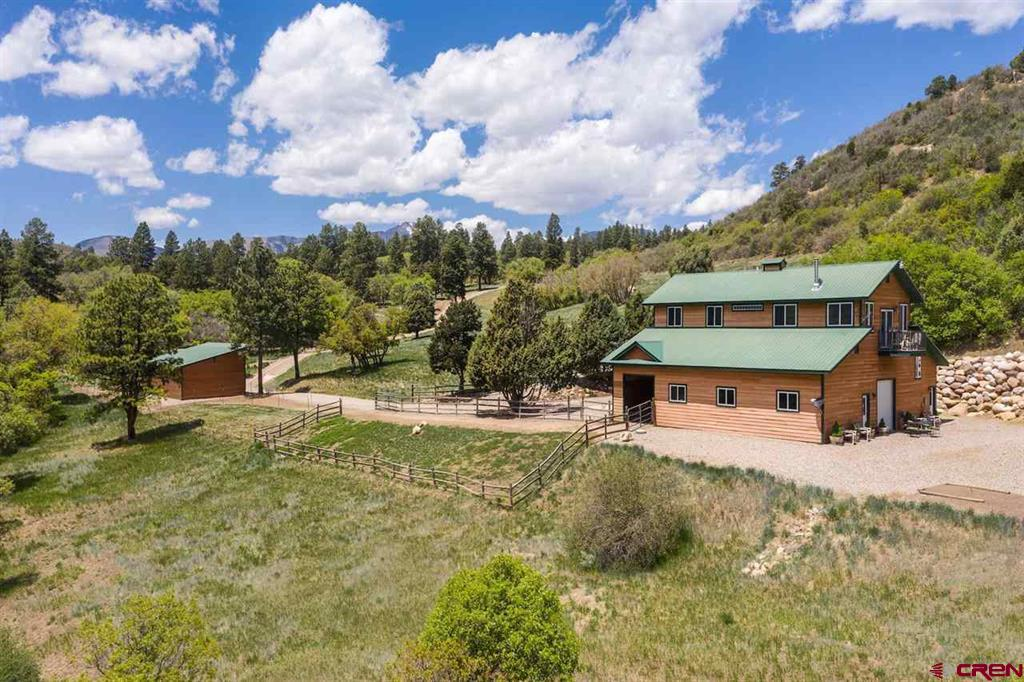 935 Mountain Memories Lane Property Photo 32