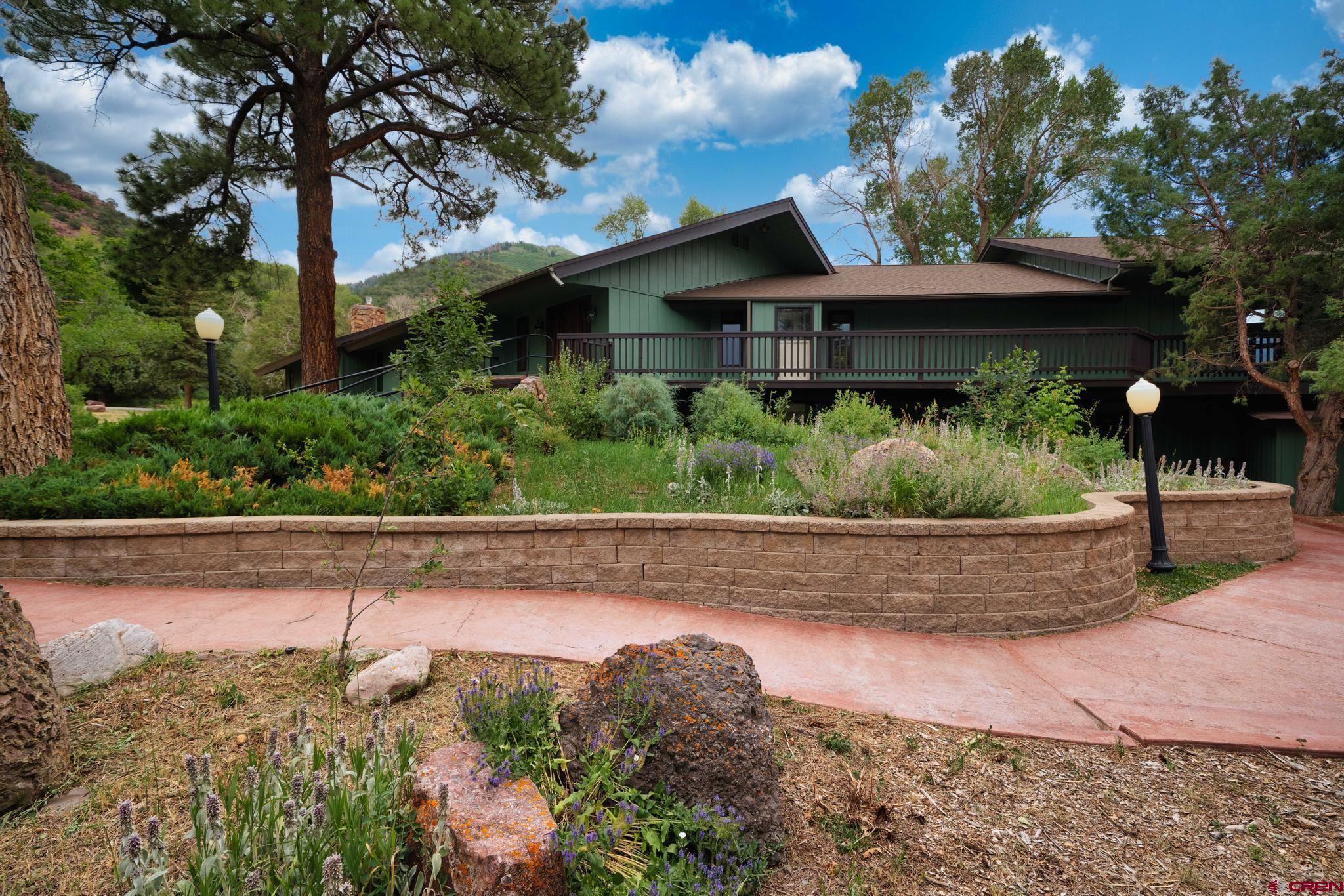 102 Cutler Creek Property Photo 1