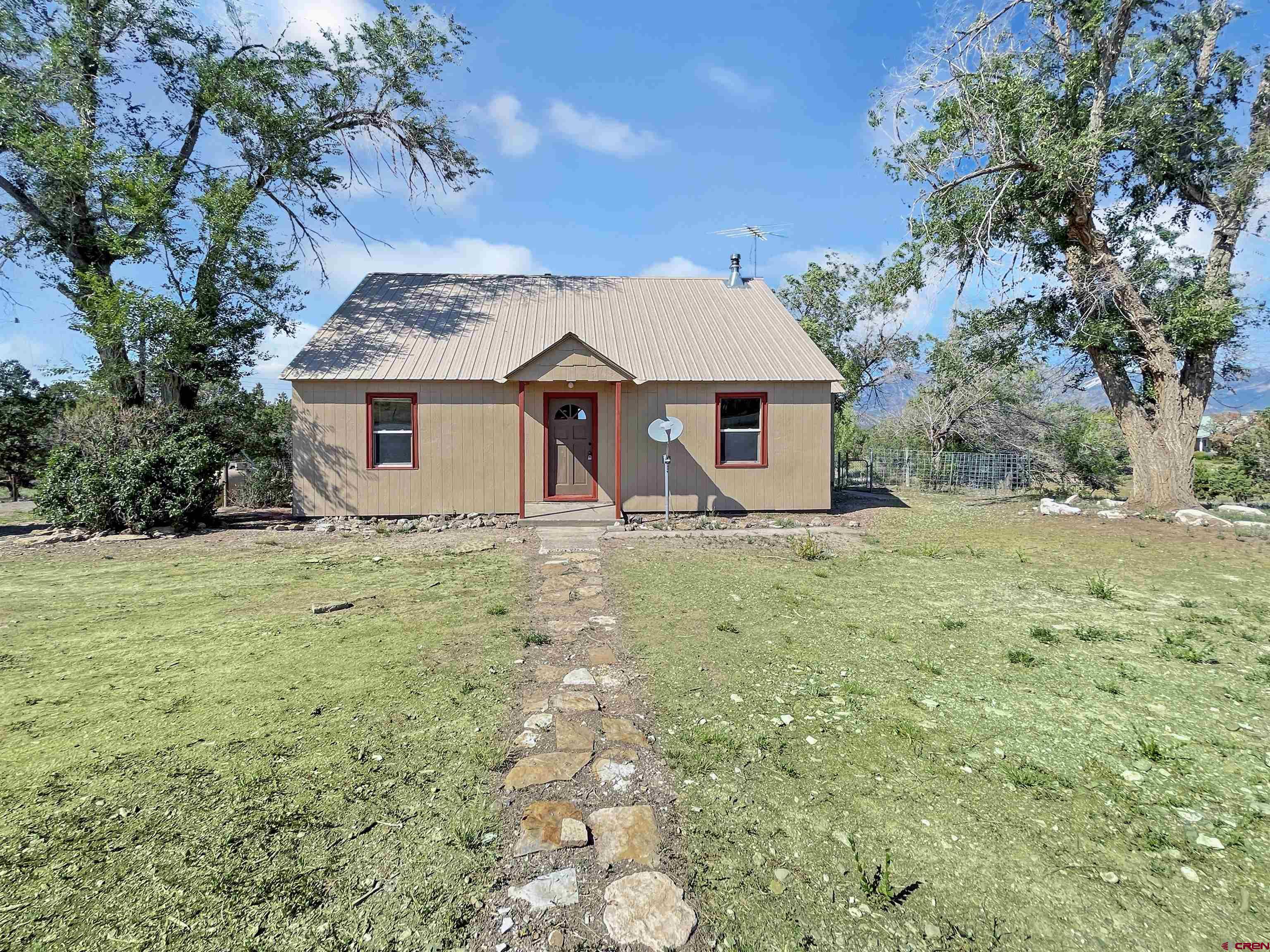 2001 Black Canyon Rd Property Photo