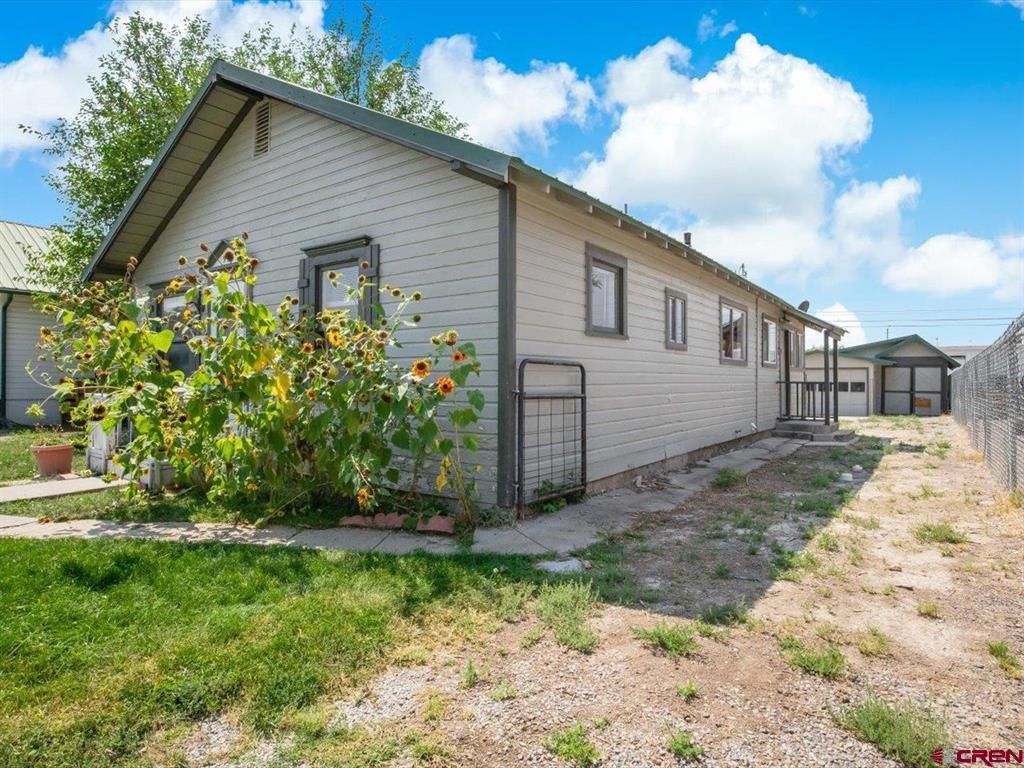 935 Meeker Street Property Photo 3