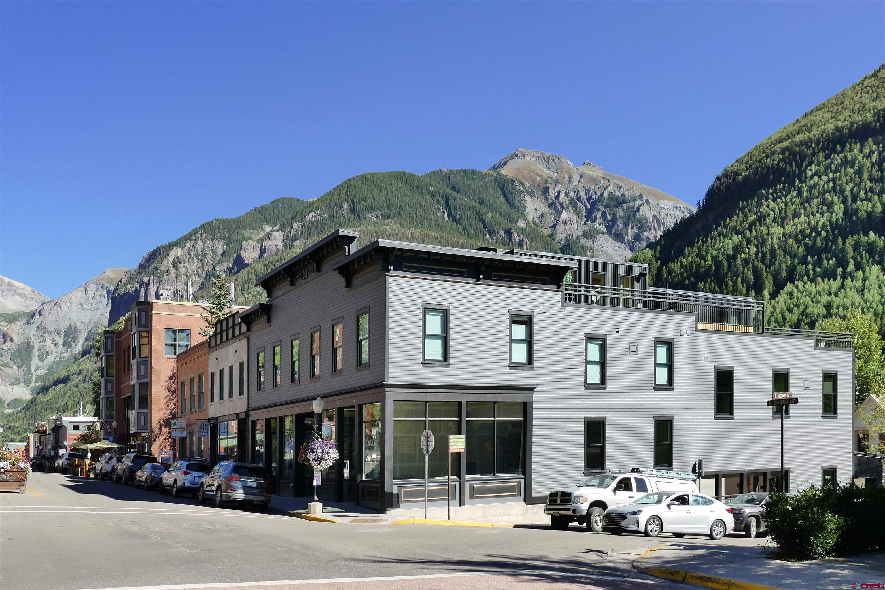 398 W Colorado Avenue Property Photo 1