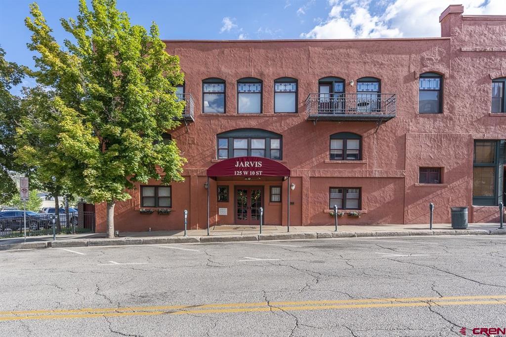 125 W 10th Street Property Photo 1