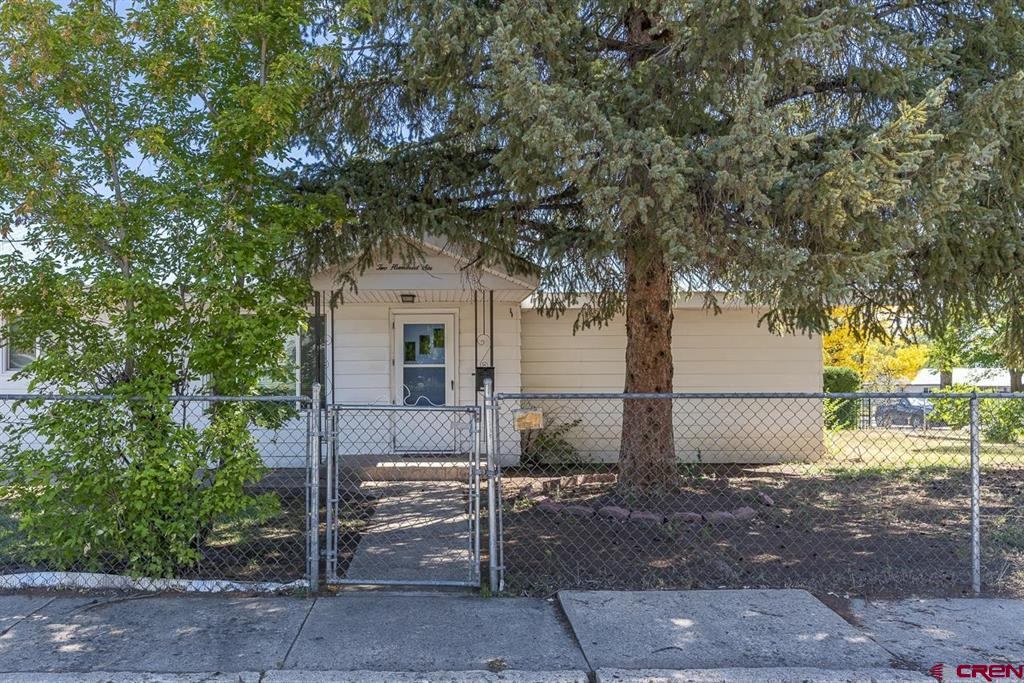 206 N Washington St Property Photo 1
