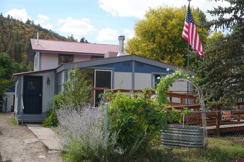 204 Riverside Property Photo
