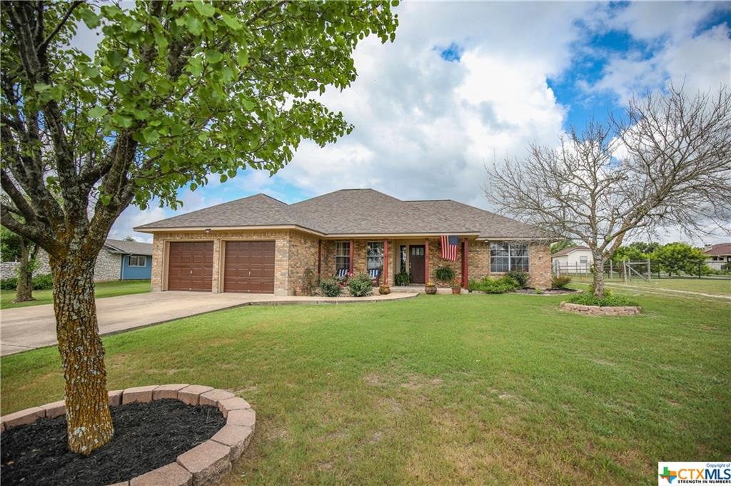 101 Family Circle Property Photo 1